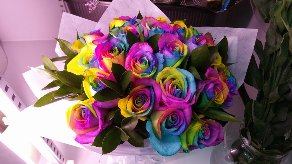 20 Rainbow Rose Bouquet | The Vine Florist