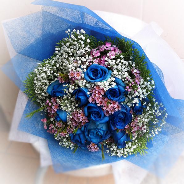 12 blue rose bouquet the vine florist